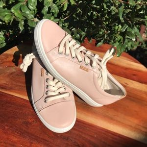 Ecco🎀leather sneakers size 6.5